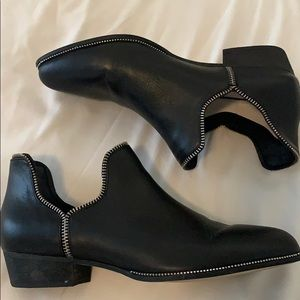 Senso Blake Leather zipper booties boots